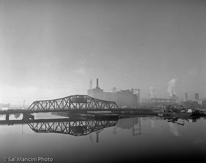 8-narragansett_electric_in_morning_fog_providence_rhode_Island_199